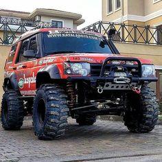 @selimustaoglu of TEAM KAYALAR's monolithic #discovery2 is Ready to Race! #discovery #selimustaoglu #landrover #landroverphotoalbum @landrover @landrover_uk 2003 Land Rover Discovery, Discovery 2, Suv 4x4, Jeep 4x4, Supercars, Landrover Camper, Adventure 4x4, Land Rover Models, Badass Jeep