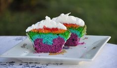 The Sweet Bakery   Cupcakes Premium Rainbow