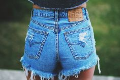 High waisted Denim Shorts Destroyed Vintage Cut Off por SORUTHLESS