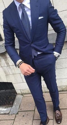 💗Excellent info on buying a custom suit online! Mens Fashion Blog, Mens Fashion Suits, Mens Suits Style, Style Fashion, Fashion Hats, Fashion Trends, Fashion Outfits, Womens Fashion, Blue Suit Men