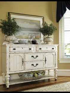 Great sideboard from J Allan's in Brookhaven, MS.