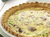 Oh yummy yummy yummy!!!  Asparagus and mushroom quiche... YUMMY!!