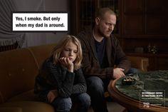 あなたは子供を殺そうとしているかもしれない。喫煙が引き起こす現実を描いたクリエイティブ  喫煙者の方には耳が痛い広告かもしれません。 頭ではわかっていても、なかなかやめることが難しい喫煙。これからご紹介する広告は、本人だけではなく、周りの人にも影響を及ぼす受動喫煙について、子供目線でその危険性に迫っています。   父親と娘が一緒にソファに座っています。父親のそばにはタバコを吸った後だと思われる灰皿。  「私は喫煙者です。父のそばにいる時だけ。」  右下にあるタグラインには、「受動喫煙は、直接の死因になります」と記されています。  とてもストレートな表現。喫煙自体を禁止するのではなく、子供の前で吸うことの危険性に限定して訴求しています。  「僕が初めてタバコを吸ったのはいつかって?それは、父さんに聞いてみないとわからないよ。」  シリーズ3つめの広告。これが一番ショッキングなセリフかもしれません。  「僕はタバコを吸うのをやめたいんだけど、父さんがそうさせてくれないんだ。」  広告では子供を題材にしていますが、大人も含めて近くにいる人すべてに影響を及ぼす受動喫煙。