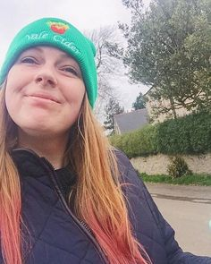 When you take an accidental selfie on a walk but don't look like a troll 🙌🏻 Lord knows what I was smiling so much about (food probs) . . . . . . . . . . I'm cracking on with a huuuuge spring clean today much like the one described on my blog this week and I'm hoping the glorious sunshine will motivate me to get my arse into gear 👍🏻