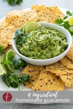 If you need a crowd pleasing dip recipe, look no further than this Homemade Guacamole Recipe! It's fresh, flavorful and comes together in minutes with just 4 ingredients! Savoury Finger Food, Finger Food Appetizers, Healthy Appetizers, Finger Foods, Appetizer Recipes, Delicious Dinner Recipes, Yummy Snacks, Yummy Recipes, Keto Recipes
