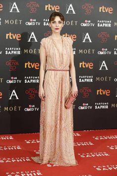 Leticia Dolera con vestido nude de Dolores Promesas.