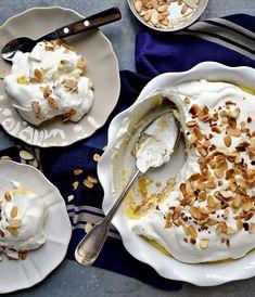 Portuguese Desserts, Portuguese Recipes, Sweet Recipes, Cake Recipes, Delicious Desserts, Yummy Food, Candy Cakes, Desert Recipes, Cupcakes