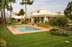 Alma Verde West Algarve Bargain Villa For Sale Algarve, Property For Sale, Villa, Mansions, House Styles, Outdoor Decor, Home Decor, Decoration Home, Manor Houses