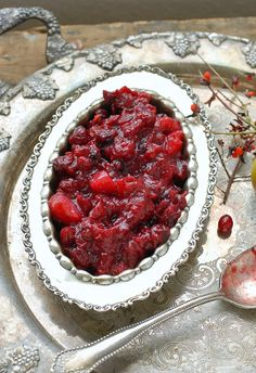 Slow Cooker Cranberry-Pear Sauce with Ginger & 100 Gluten-Free Thanksgiving Recipes Gluten Free Thanksgiving, Thanksgiving Recipes, Fall Recipes, Holiday Recipes, Thanksgiving Blessings, Thanksgiving Feast, Pear Recipes, Cranberry Recipes, Holiday Ideas