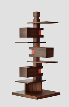 Japanese design company Yamagiwa reproduced a compact table lamp that was originally designed by renowned American architect Frank Lloyd Wright for Wisconsin's Taliesin Theater. Frank Lloyd Wright, Lamp Design, Lighting Design, Wooden Table Lamps, Japanese Design, Lamp Bases, Floor Lamp, Just In Case, Land Art