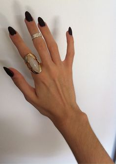 GYPSY pointy black nails and statement rings Pointy Black Nails, Long Black Nails, Black Almond Nails, Matte Black Nails, Stiletto Nails, Black Claws, Long Oval Nails, Black Stilettos, Gold Nails