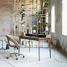 İhtiyacınız olan tüm ilhamı ondan alabilirsiniz. Davinci Çalışma Masası zarif tasarımı ile Loda Mobilya'da.