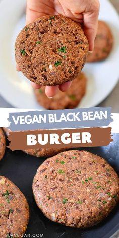 Vegan Bean Recipes, Vegan Dinner Recipes, Vegan Foods, Vegan Dishes, Vegan Burger Recipes, Vegan Fast Food, Cooking Recipes, Vegan Bean Burger, Vegan Burgers