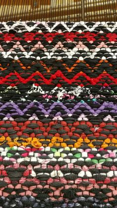 Rag Rugs, Rug Ideas, Loom Weaving, Recycled Fabric, Woven Rug, Scandinavian Style, Fiber Art, Needlework, Pattern Design