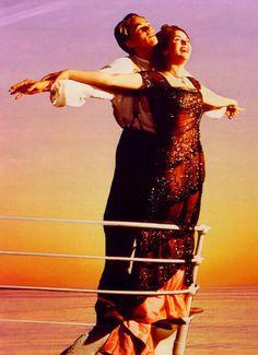 'Titanic' The Movie, photos, set in 1912 (Dated): Rose (Kate Winslet) & Jack Dawson (Leonardo DiCaprio), Iconic Scene. Picture Movie, Love Movie, Movie Tv, Movie Scene, Leonardo Dicaprio, Film Titanic, Titanic Ship, Amor Romance, Leo And Kate