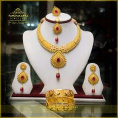 Beautiful wedding set 22k   #jewelleries #nepali_jewellery #gold_jewellery #silver_jewellery #instagram #wedding_collection #wedding #panchakanyajewellers #maitidevi #beautiful_jewellery #jewellery_design #nepal #attractive_jewellery #goldearrings #rubiearrings #beautifulearrings