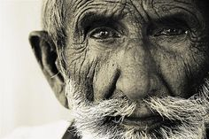 37 Powerful Portraits Of Old People People Photography, Portrait Photography, White Photography, Old Faces, Black And White Portraits, Interesting Faces, Old Men, Cool Photos, Amazing Photos