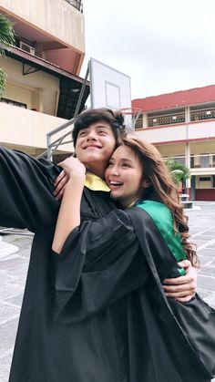 kathniel /// kathryn bernardo /// daniel padilla /// the hows of us Kathryn Bernardo Hairstyle, Kathryn Bernardo Outfits, Best Couple Pictures, Best Friend Pictures, Daniel Padilla, Cute Couples Goals, Couple Goals, Ulzzang Couple, Ulzzang Girl