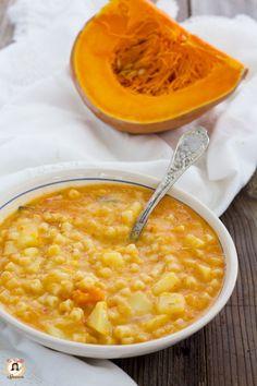 Lasagne con zucca, prosciutto e mozzarella Vegan Junk Food, Food L, Food Porn, Veggie Recipes, Soup Recipes, Cooking Recipes, Healthy Recipes, Italian Soup, Italian Recipes