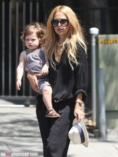 rachel zoe grabs lunch with her little guy