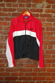 Hey, I found this really awesome Etsy listing at https://www.etsy.com/listing/174222730/vintage-80s-mens-nike-windbreaker-blue