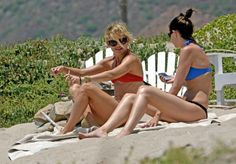 It's just interesting to see how many women in Hollywood smoke to get rid of stress, keep off extra weight, or just to have a moment to themselves. Here's 20 celebrities you had no idea were smokers. Celebrity Smokers, Celebrity Moms, Smoking Celebrities, You Have No Idea, Katie Holmes, Kate Hudson, Gwyneth Paltrow, In Hollywood, Bikinis