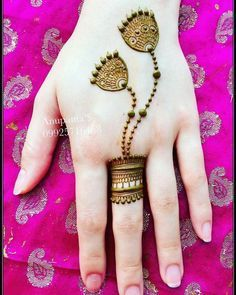Explore latest Mehndi Designs images in 2019 on Happy Shappy. Mehendi design is also known as the heena design or henna patterns worldwide. We are here with the best mehndi designs images from worldwide. Henna Hand Designs, Latest Finger Mehndi Designs, Simple Arabic Mehndi Designs, Mehndi Designs For Beginners, Modern Mehndi Designs, Mehndi Design Pictures, Beautiful Mehndi Design, Mahendi Designs Simple, Henna Tattoo Designs Simple