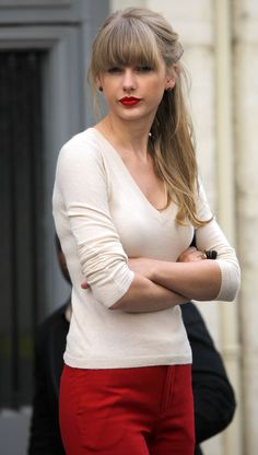 Taylor Swift. So this is how you can wear a red pant.