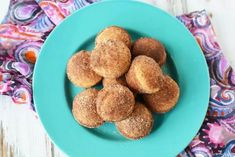 If you love old fashioned sugary donuts but hate all the work, you will love Cinnamon Sugar Mini Donut Muffins. Learn how to make easy Mini Donut Muffins. Donut Muffins, Corn Dog Muffins, Mini Muffins, Doughnut, Cinnamon Sugar Donuts, Cinnamon Recipes, Muffin Recipes, Baking Recipes, Dessert Recipes
