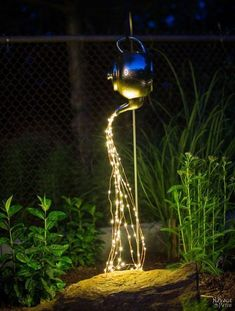 DIY Spilling Solar Lights Teapot Lights Easy, budget friendly and one of a kind DIY backyard ornament and landscape lights Upcycled teapot Step-by-step tutorial for DIY spilling solar lights Teapot solar lights DIY whimsical garden lights Be Garden Crafts, Garden Projects, Garden Art, Garden Design, Garden Ideas, Landscape Design, Garden Diy On A Budget, Unique Garden Decor, Creative Landscape