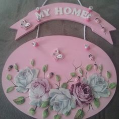 Kapı süsü Hobbies And Crafts, Diy And Crafts, Arts And Crafts, Paper Crafts, Sculpture Painting, Painting On Wood, Decoupage, Clay Flowers, Vintage Crafts