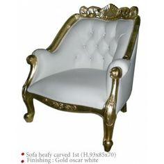 Fauteuil doré et blanc (simili). Idéal pour un mariage oriental. #meuble #décoration #mariage http://www.location-mobilier-paris.com/