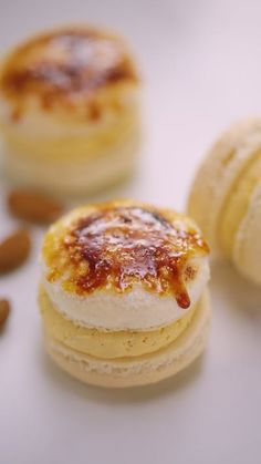 You've mastered macarons but check out this awesome decorating hack! We've given ours a Crème Brûlée twist!