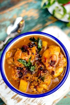 Kerala Style Chicken Curry with Coconut Milk - Nadan Chicken Curry (9 of 9)