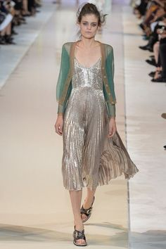 Rochas Paris Fashion Week S/S 2014 RTW  http://www.vogue.co.uk/fashion/spring-summer-2014/ready-to-wear/rochas