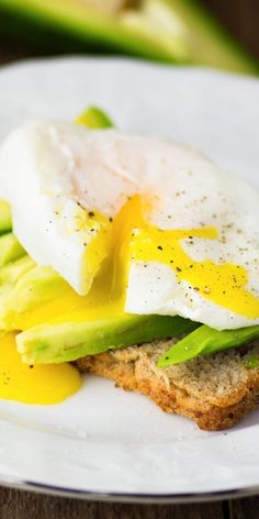 Use these simple strategies to make yourmost important meal of the day even healthier.