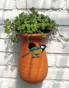 Decorative Bird Houses, Bird Houses Diy, Clay Houses, Pottery Pots, Ceramic Pottery, Ceramic Birds, Ceramic Clay, Bird House Feeder, Sculptures Céramiques