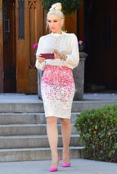 See What Gwen Stefani Wore to Her Sons' First Communion - Gwen Stefani was every bit the lady in her church outfit for her sons' first communion. Source by anncerncic - Church Outfit Summer, Sunday Church Outfits, Church Attire, Gwen Stefani Mode, Gwen Stefani And Blake, Gwen Stefani Style, Mom Outfits, Modest Outfits, Fashion Outfits
