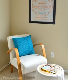 Reading Nook in Craft Room