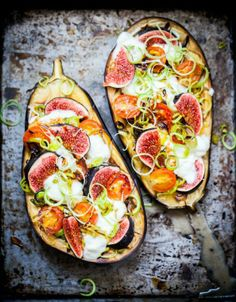 Baked aubergine with mozzarella buffala, figues and cherry tomatoe (Baking Eggplant Vegan) Think Food, I Love Food, Food For Thought, Good Food, Yummy Food, Clean Eating Meal Plan, Clean Eating Recipes, Cooking Recipes, Eating Healthy