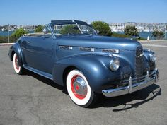 a 1940 blue coupe convertible ~ similar to what Nancy would have driven. wow! can i please have this car?????