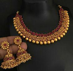 New designer Matt necklace Indian Jewellery Bridal Jewellery - Indian Fashion Ideas Jewelry Design Earrings, Gold Jewellery Design, Gold Earrings Designs, Necklace Designs, Gold Temple Jewellery, Gold Jewelry, Indian Jewelry, Indian Gold Necklace, Kerala Jewellery