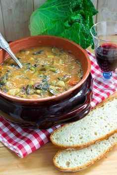 A l ¡ n a Ribollita toscana Italian Dishes, Italian Recipes, I Love Food, Good Food, Soup Recipes, Vegan Recipes, My Favorite Food, Favorite Recipes, Tuscan Bean Soup