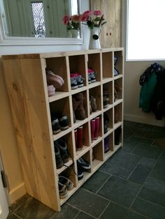 Zo blij met onze schoenenkast!!! Opgeruimd staat netjes!! Garage Laundry Rooms, Pantry Laundry Room, Entryway Shoe Storage, Pantry Storage, Scaffolding Wood, Closet Bedroom, Wood Pallets, Mudroom, Getting Organized