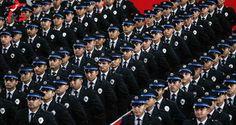 "Emniyet'e 13 bin yeni polis alınacak! ""Emniyet'e 13 bin yeni polis alınacak!""  https://yoogbe.com/guncel-haberler/emniyete-13-bin-yeni-polis-alinacak/"