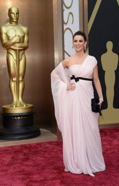 Fabulously Spotted: Penélope Cruz Wearing Giambattista Valli - 2014 Oscars  - http://www.becauseiamfabulous.com/2014/03/penelope-cruz-wearing-giambattista-valli-2014-oscars/