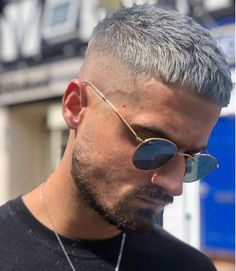 Finding The Best Short Haircuts For Men Short Fade Haircut, Crop Haircut, Short Hair Cuts, Short Hair Styles, Shaved Side Haircut, Cool Hairstyles For Men, Hairstyles Haircuts, Haircuts For Men, Dyed Hair Men