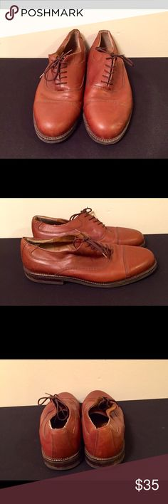 Brown @Ease Florsheim Leather Casual Shoes. Leather upper with man Made balance. Lace up and lite signs of wear on toes. Bottoms in excellent condition. @ Ease Florsheim Shoes Oxfords & Derbys