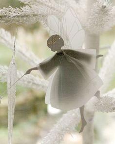 http://myfrenchheaven.com/2013/12/09/more-deco-ideas-for-christmas-encore-des-idees-deco-pour-noel/