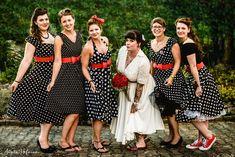 Brautjungfern im 50ties Style. Anfragen für Hochzeitsfotografie gerne über das Kontaktformular meiner Homepage. Photography, Vintage, Style, Fashion, Wedding Photography, Bridesmaids, Swag, Moda, Photograph